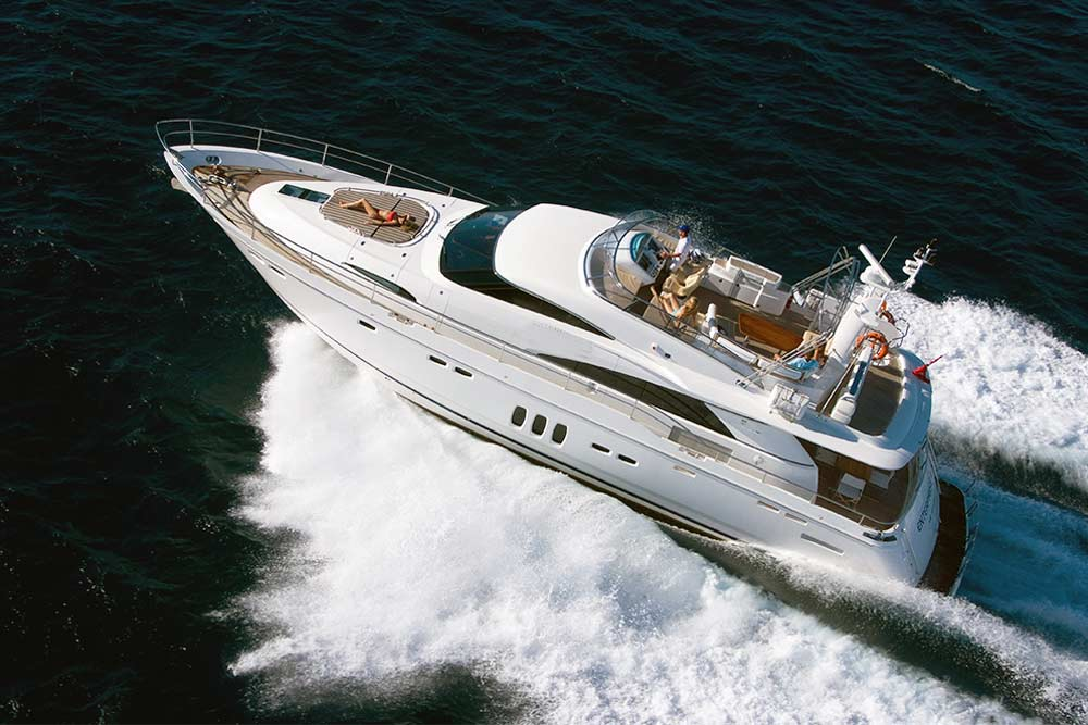 luxury reef tour boat
