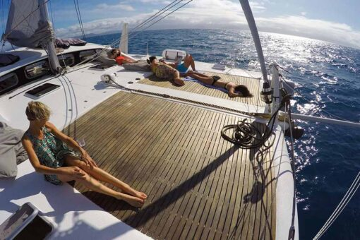 great barrier reef sailing relaxing
