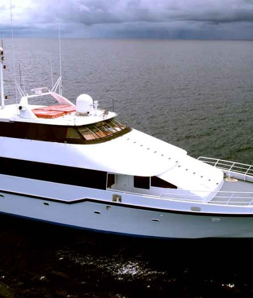 luxury diving liveaboard mothership