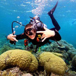 luxury liveaboard boat scuba diver