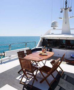 luxury motor yacht flybridge