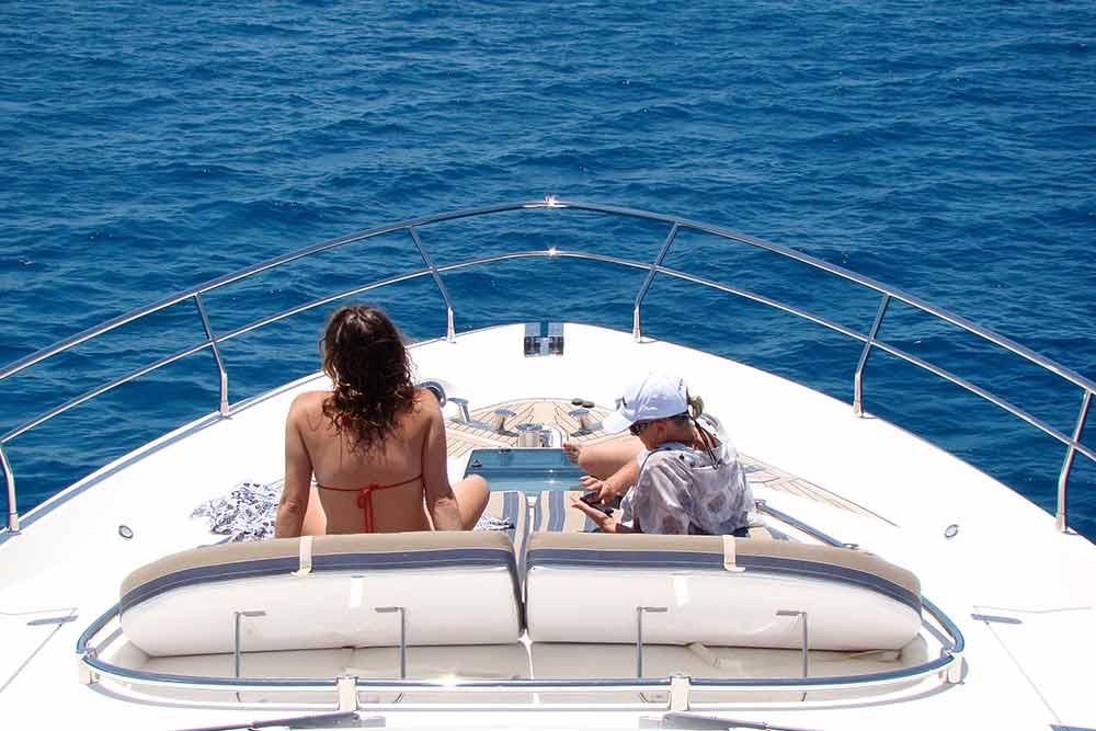 luxury reef tour bow