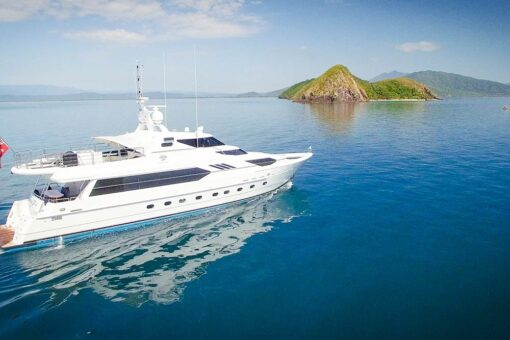luxury motor yacht island
