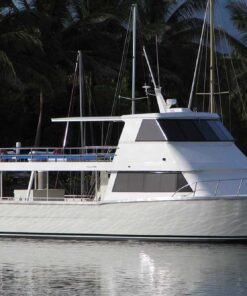 shared reef fishing boat